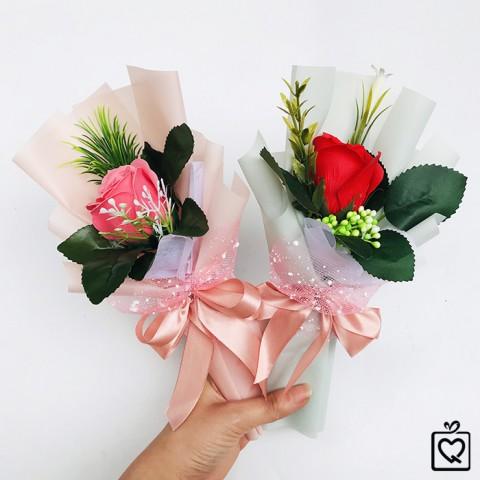 Bó hoa hồng sáp thơm 1 bông kèm túi quà nhám