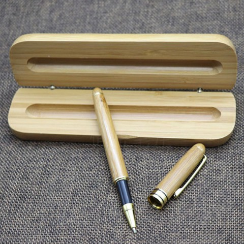 Set Bút dạ bi kèm hộp vỏ tre khắc chữ