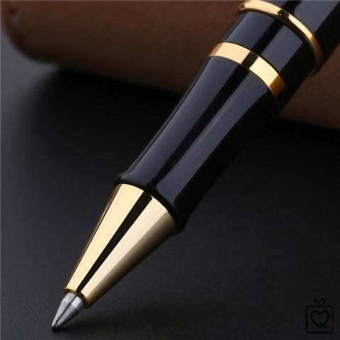Bút Picasso - Nàng thơ và những đóa hồng 900 RB