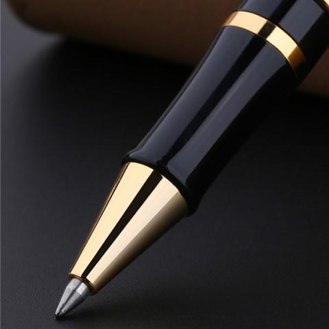 Bút Picasso - Nàng thơ và những đóa hồng 900 RR