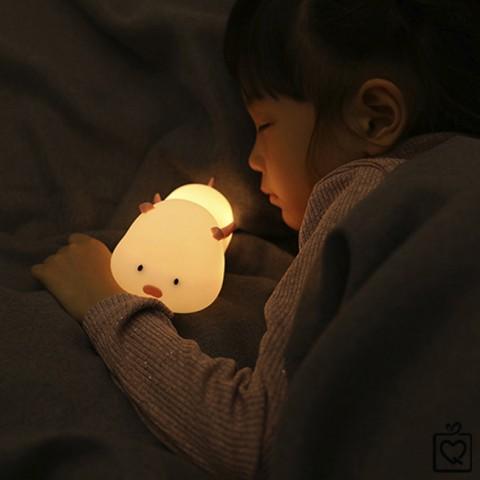 Đèn ngủ không dây heo con thiên sứ sạc USB