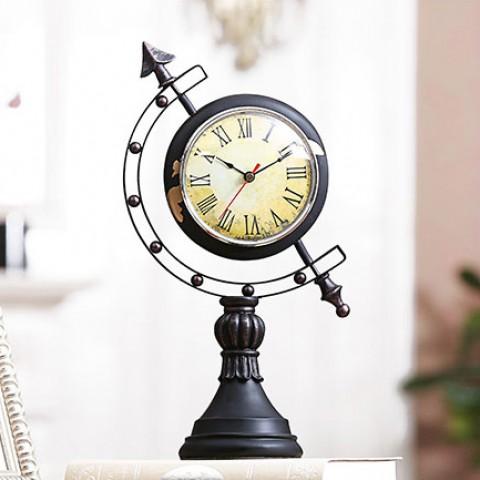 Đồng hồ để bàn hình địa cầu cổ điển
