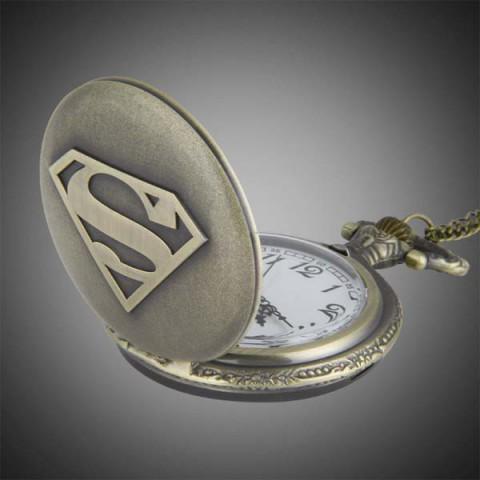 dong-ho-qua-quyt-superman-10