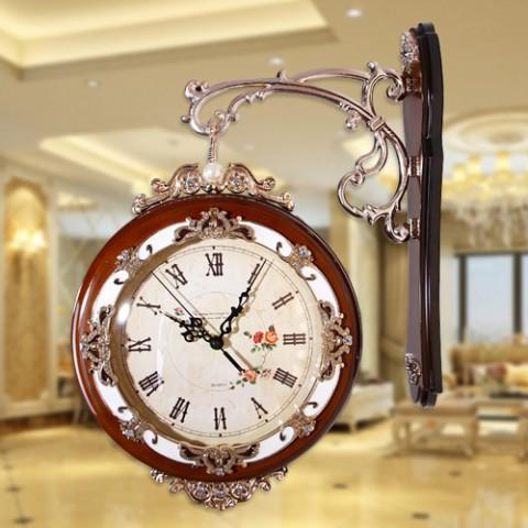 Đồng hồ treo tường phong cách cổ điển