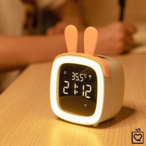 Đồng hồ báo thức đèn Led - cute pet TV   (Tặng 5 tai trang trí)