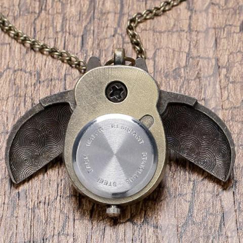 Đồng hồ dây đeo hình cú