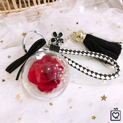 Hoa hồng bất tử kèm móc khóa dây treo