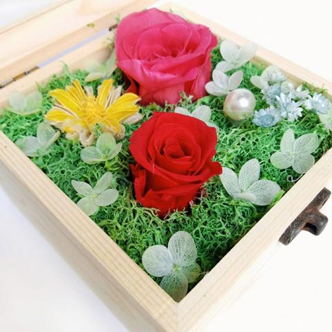 Hoa hồng bất tử hộp gỗ vuông - Hồng phấn