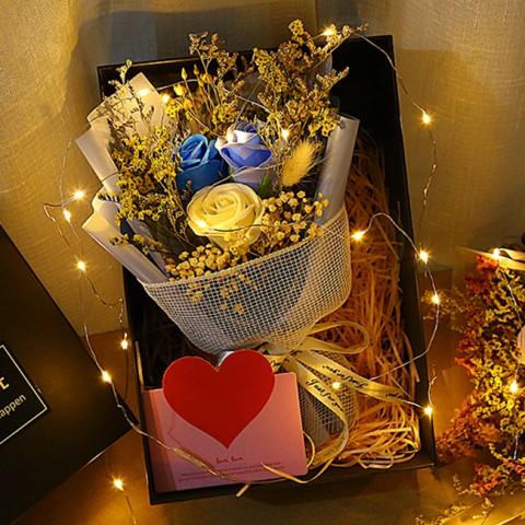Hộp quà hoa sáp đèn led