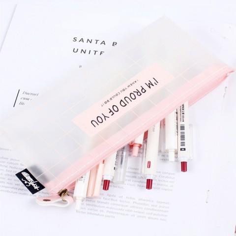 Hộp bút trong suốt mờ ghi thông điệp