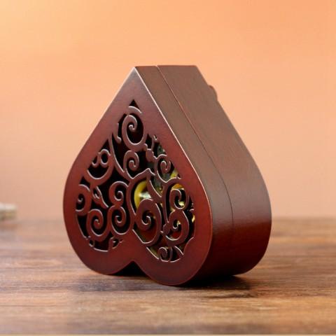 Hộp nhạc gỗ hình trái tim phong cách cổ điển