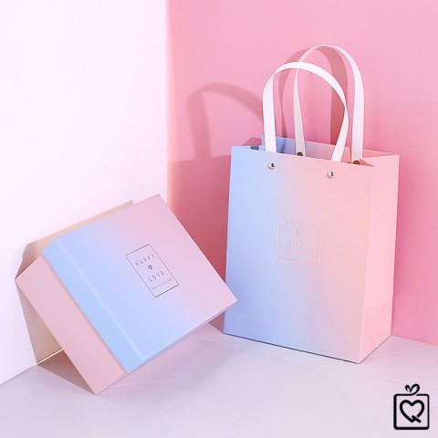 Hộp đựng quà hình chữ nhật kèm giấy rơm, túi 2 màu