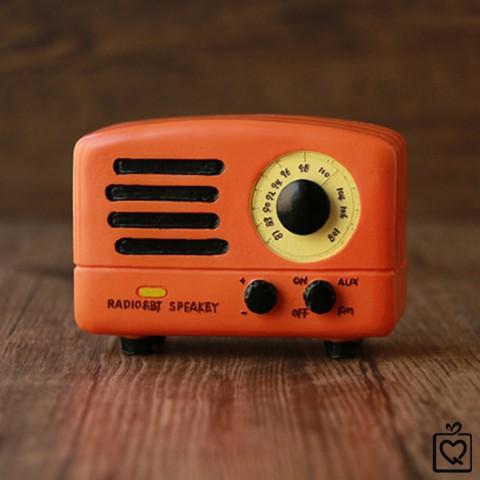 Hộp nhạc đài radio retro