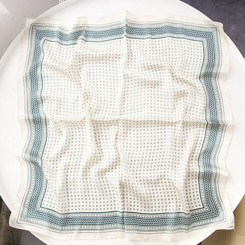 Khăn lụa vuông phong cách Minimalism 70cm