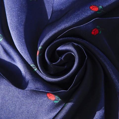 Khăn lụa vuông họa tiết hoa hồng 70cm