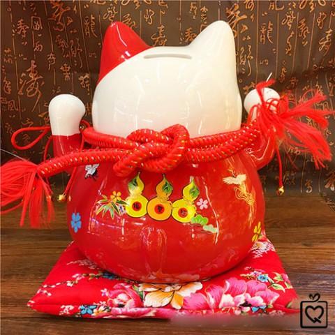 Mèo Thần Tài đỏ giơ 2 tay - Đa Phú Quý 25cm