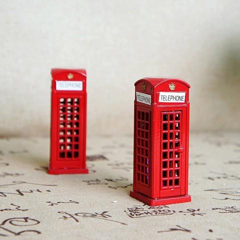 Mô hình bốt điện thoại kèm gọt bút chì