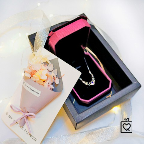 Quà tặng bạn gái Hộp thiệp hoa & Trang sức