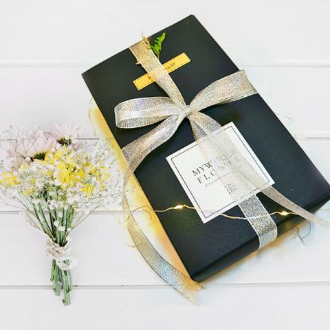 Quà tặng Valentine Hoa khô tự nhiên & Trang sức
