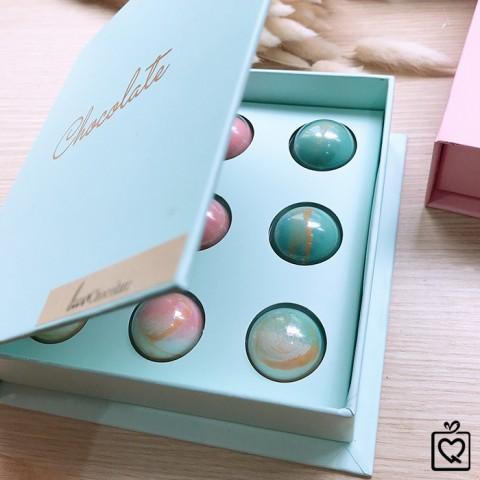 Quà tặng Socola LuvChocolate Câu Chuyện Tình Yêu Hộp 9 viên tròn
