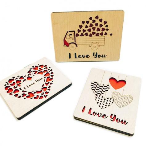 Thiệp gỗ tình yêu để bàn