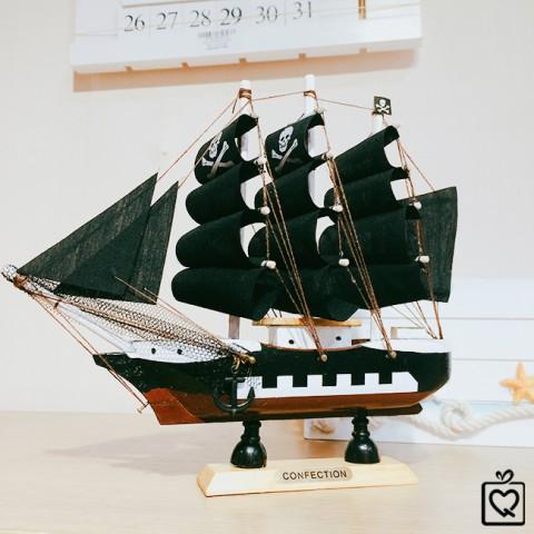 Mô hình thuyền hải tặc 20cm