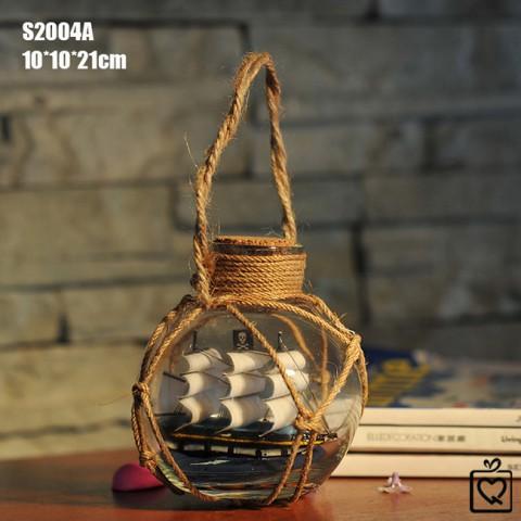Thuyền hải tặc trong chai dây treo