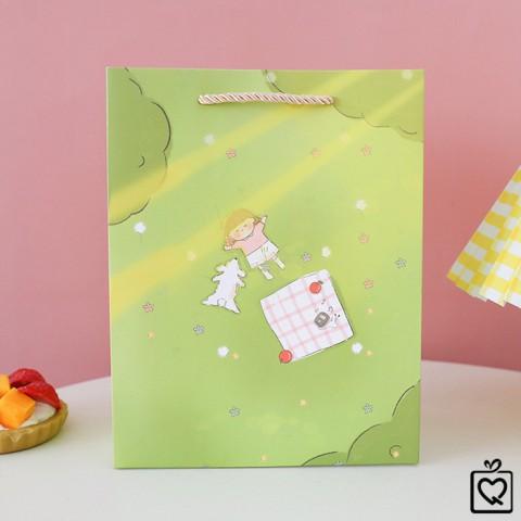 Túi giấy đựng quà hoạ tiết hoạt hình