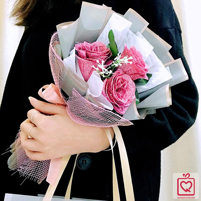 Bó hoa sáp phủ nhũ kim sa kèm túi, thiệp