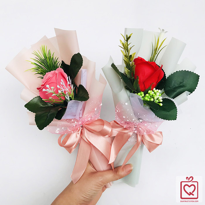 Bó hoa hồng sáp thơm 1 bông kèm túi nhám