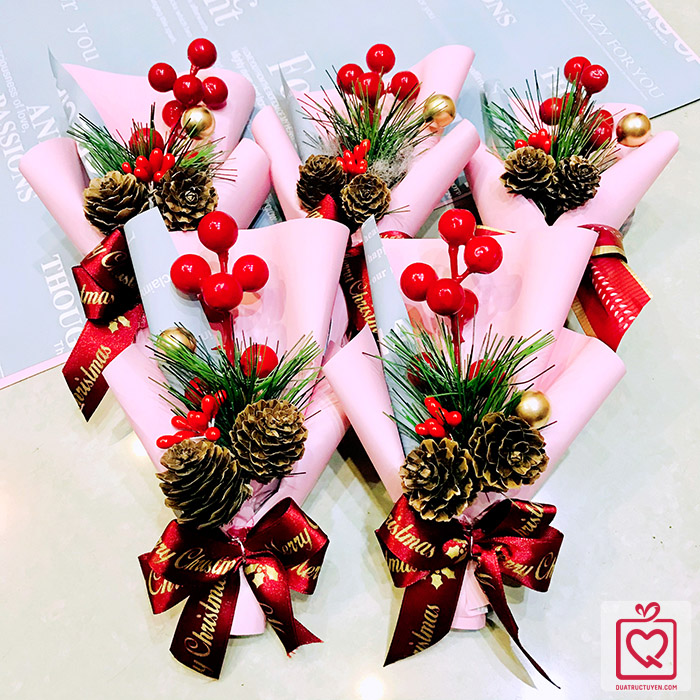 Bó hoa cành thông giáng sinh 16cm