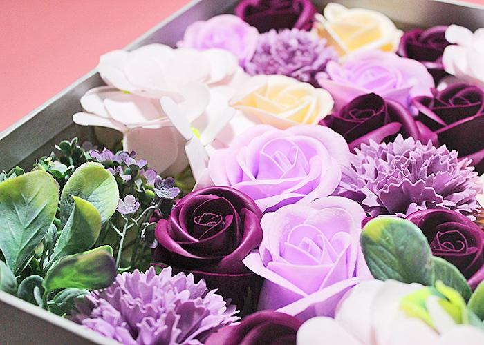 hộp hoa hồng sáp màu tím