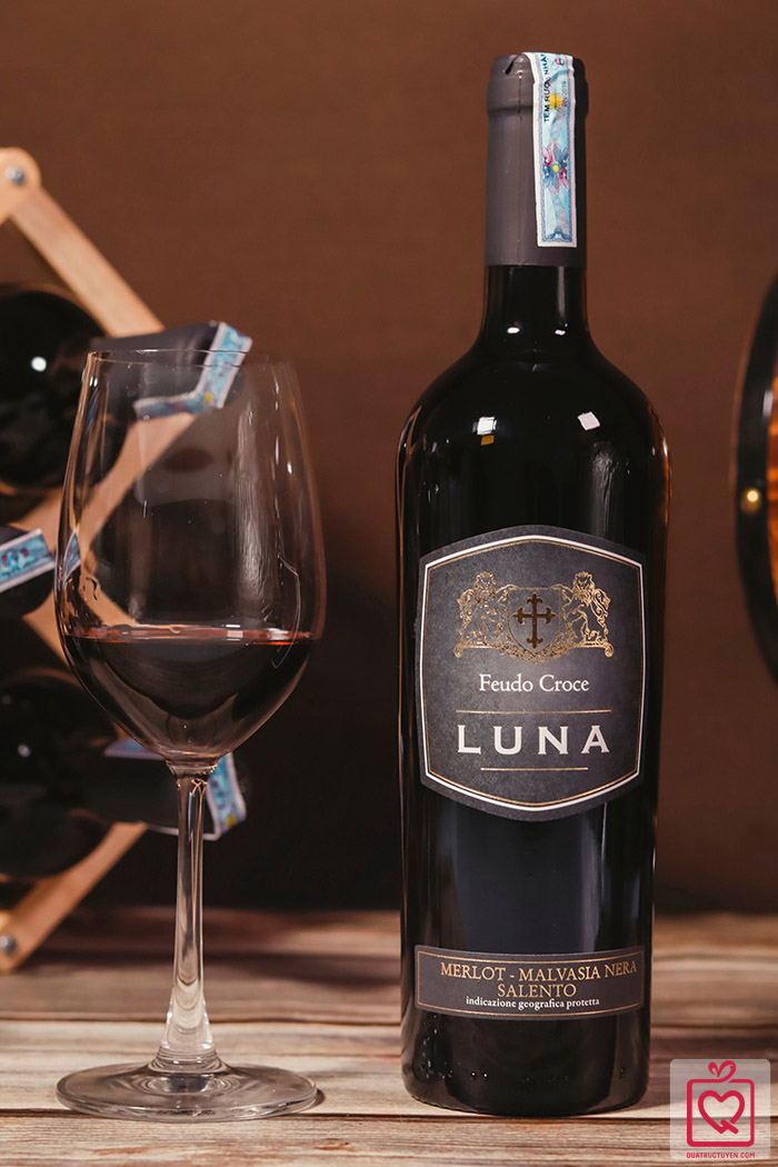 Rượu vang Ý Feudo Croce Luna