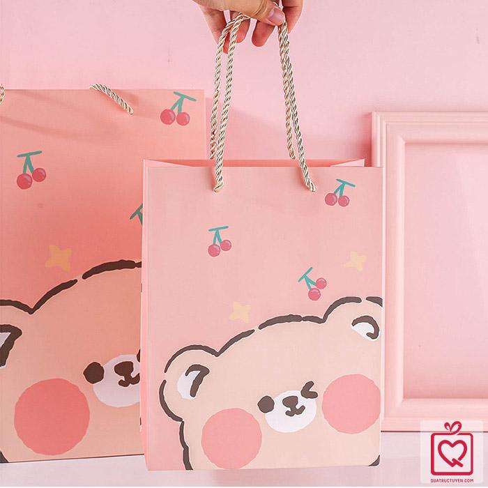 Túi giấy đựng quà gấu béo