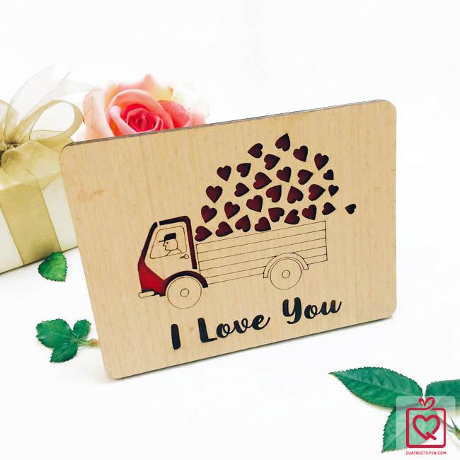 Thiệp gỗ tình yêu