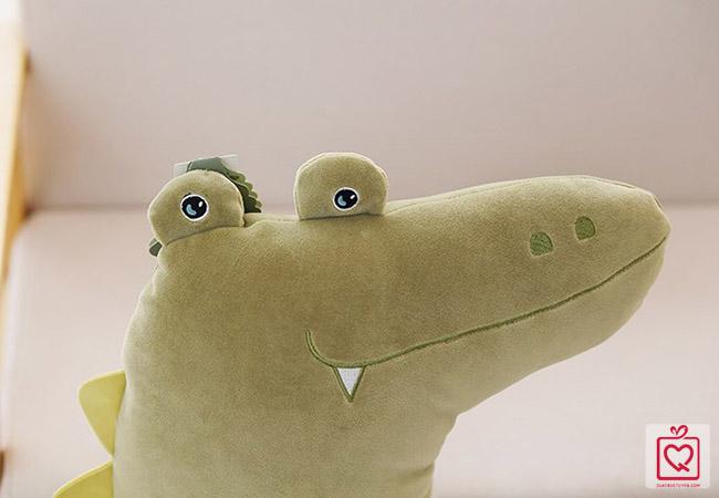 Cá sấu nhồi bông dáng đứng