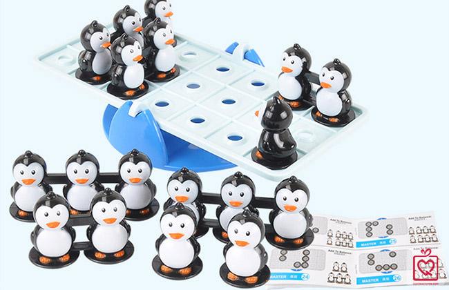 Đồ chơi bập bênh giữ thăng bằng chim cánh cụt