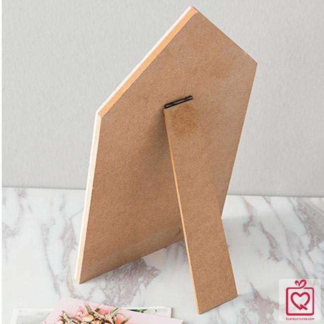 bảng gỗ kẹp ảnh để bàn