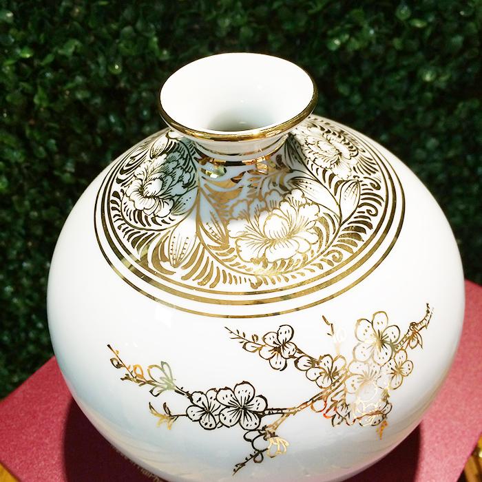 Lọ địa cầu sứ vẽ vàng cảnh Văn Miếu f18-16