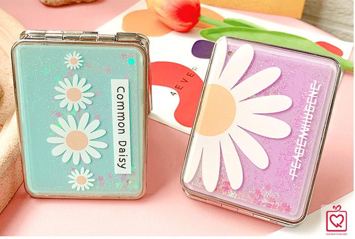 Gương cầm tay mini 2 mặt Daisy cát chảy lấp lánh