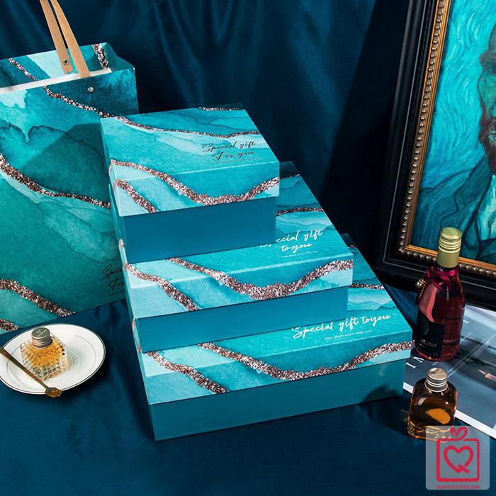 Hộp đựng quà kèm túi quà vân đá quai nhựa Vuông-Chữ Nhật