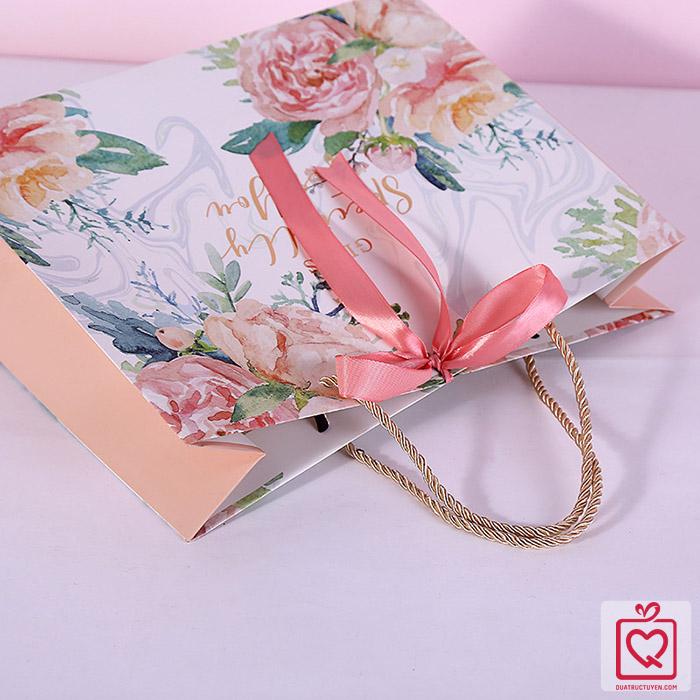 Túi đựng quà hoa hình chữ nhật nằm bằng giấy