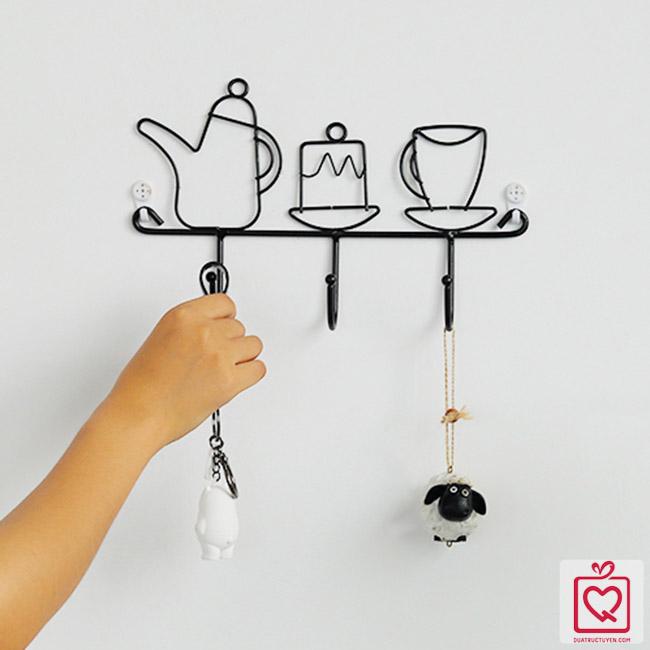 Giá treo đồ kim loại họa tiết ấm trà