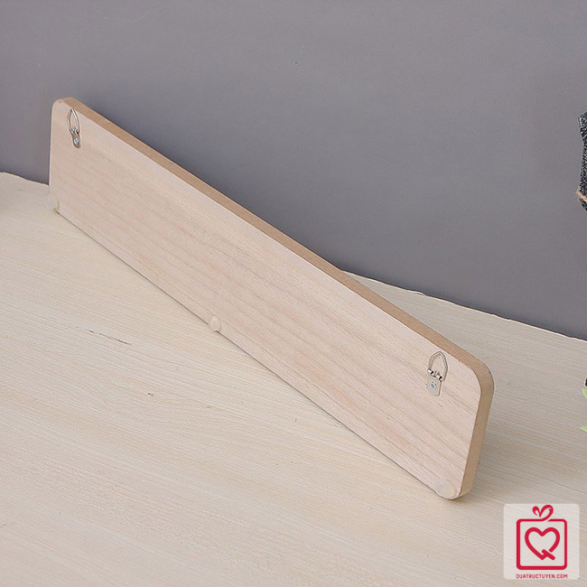 thanh treo đồ bằng gỗ phong cách minimalism