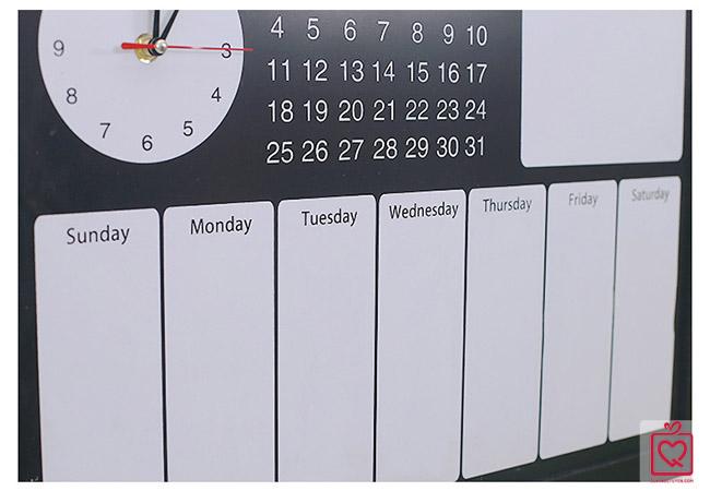 Bảng gỗ thời gian biểu kèm đồng hồ