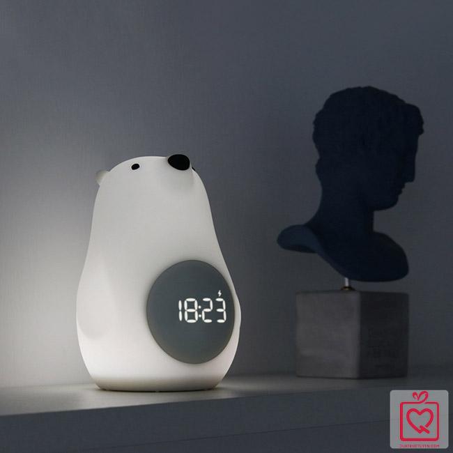 đèn ngủ để bàn kiêm đồng hồ báo thức chú gấu