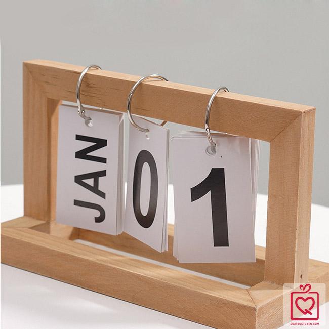 Lịch khung gỗ để bàn kiểu mới