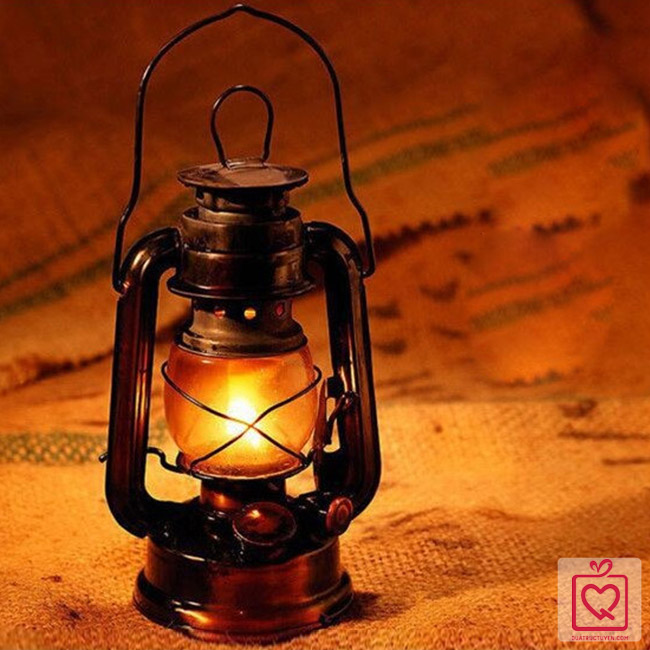 đèn dầu đi bão