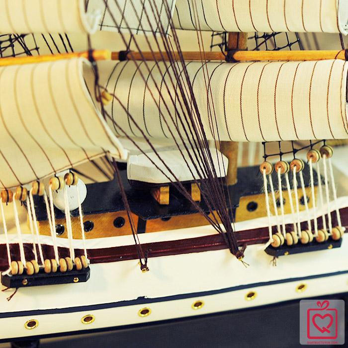 Mô hình thuyền buồm FJ8003