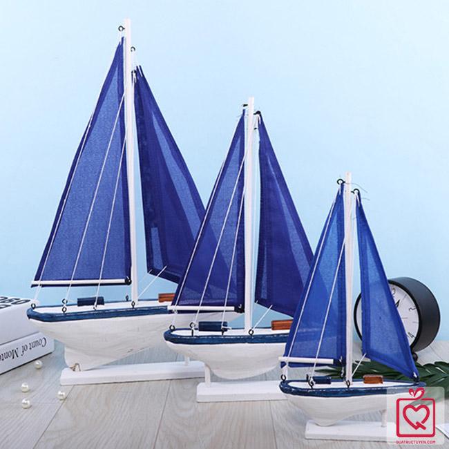 Thuyền buồm phong cách địa trung hải